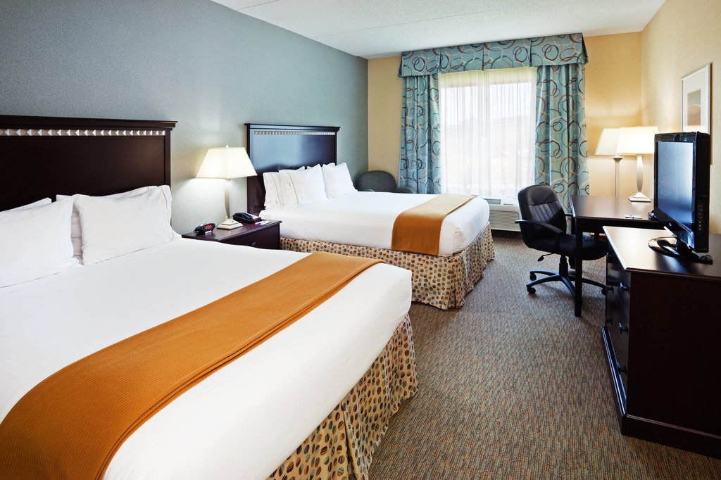 Holiday Inn & Suites Smyrna - Nashville Area-A room with still plenty of space to work<br/>Image from Leonardo