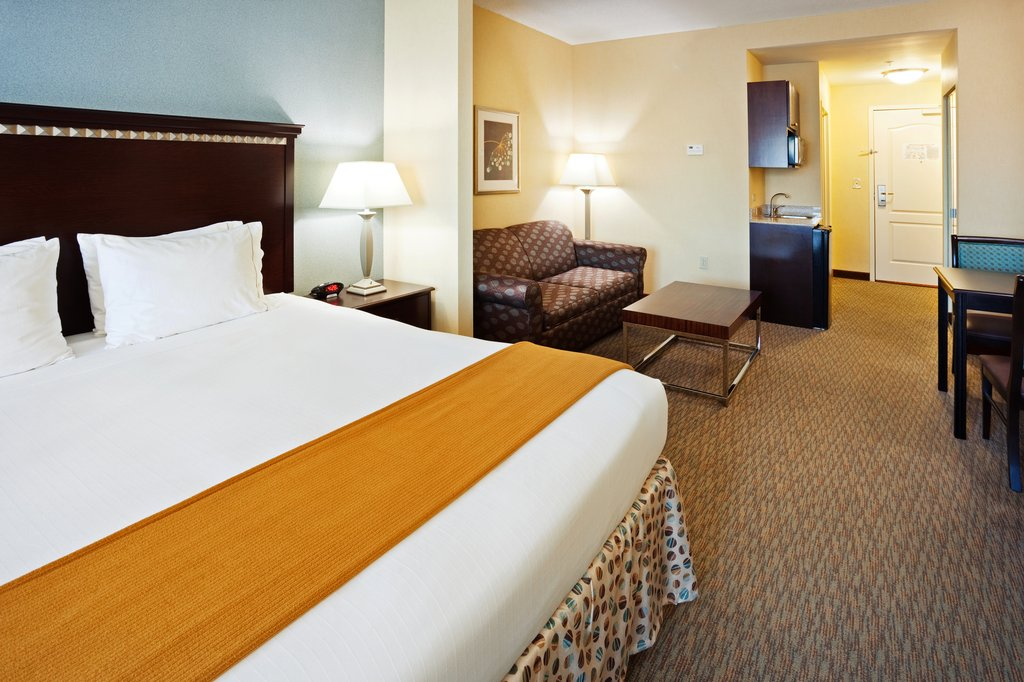 Holiday Inn & Suites Smyrna - Nashville Area-Contemporary and modern design that offers sophistication<br/>Image from Leonardo