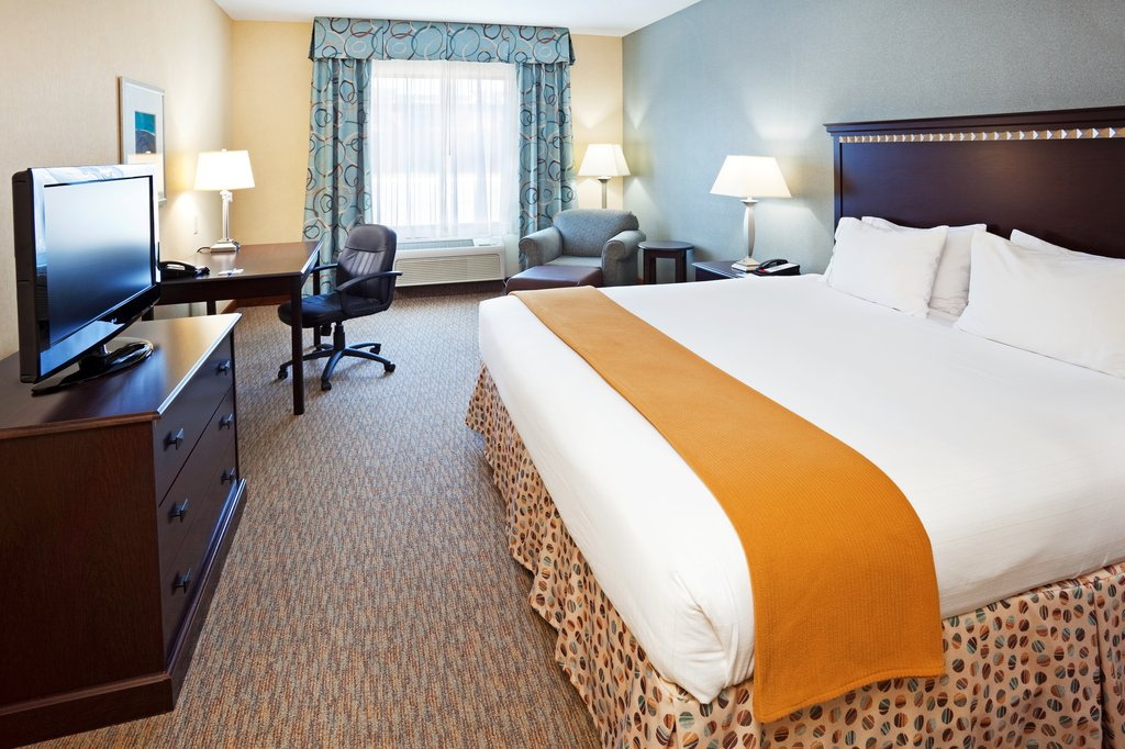 Holiday Inn & Suites Smyrna - Nashville Area-Our king rooms are large and beautifully decorated<br/>Image from Leonardo