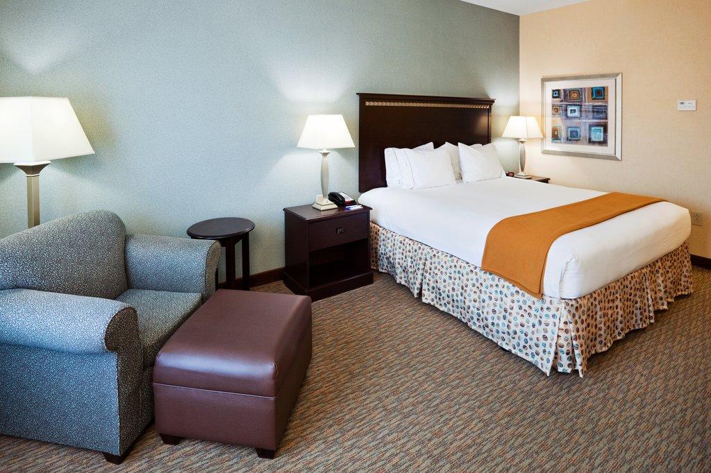 Holiday Inn & Suites Smyrna - Nashville Area-King Bed Guest Room<br/>Image from Leonardo