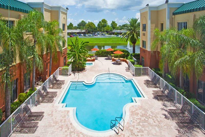 Holiday Inn Express Clearwater East - Icot Center-Swimming Pool<br/>Image from Leonardo