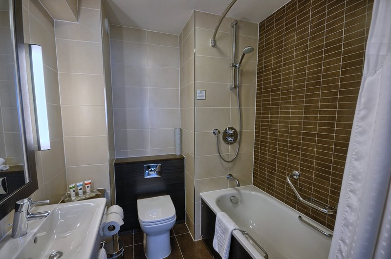 Holiday Inn London Gatwick - Worth-Modern & Clean Guest Bathroom<br/>Image from Leonardo