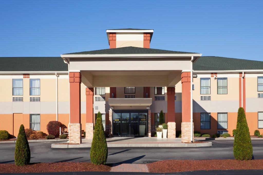 Holiday Inn Express Providence - North Attleboro-Entrance<br/>Image from Leonardo