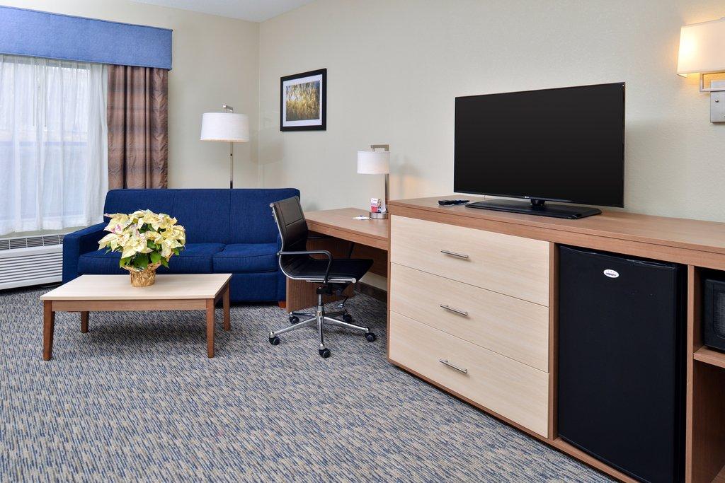 Holiday Inn Express Providence - North Attleboro-Executive Suite<br/>Image from Leonardo