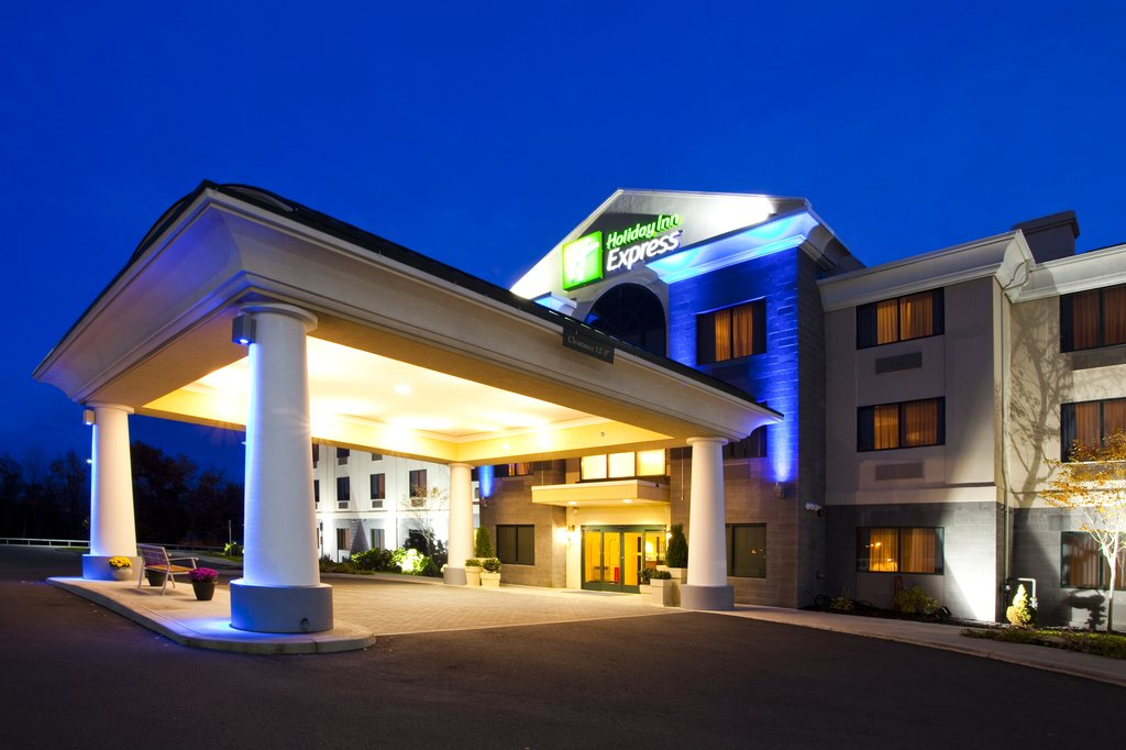 Holiday Inn Express Syracuse Airport-Syracuse Hancock International Airport just 2 miles away<br/>Image from Leonardo