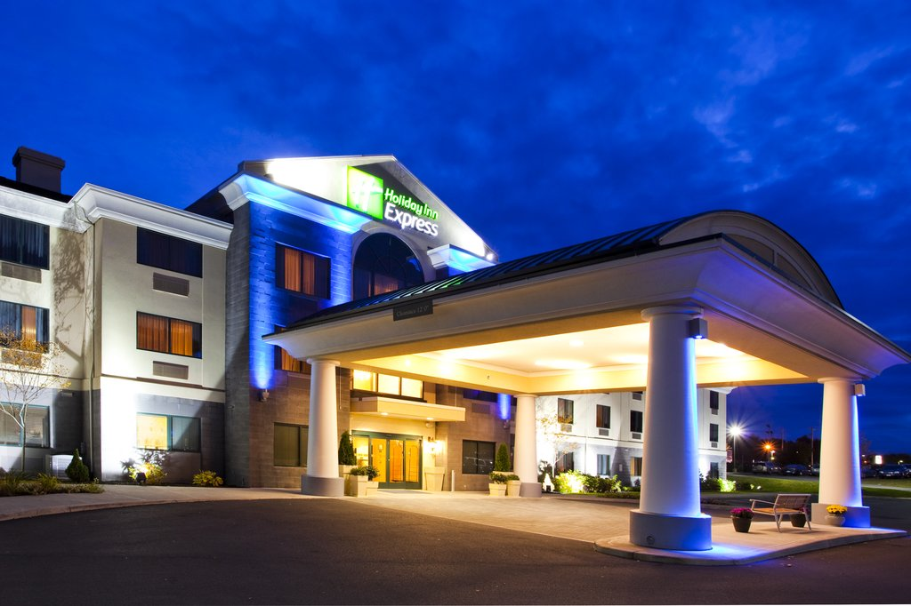 Holiday Inn Express Syracuse Airport-Park, stay and go package available for your convenience<br/>Image from Leonardo