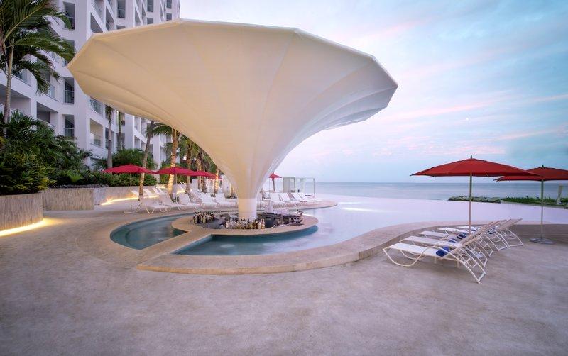 Grand Fiesta Americana Puerto Vallarta - Sommer Pool Bar <br/>Image from Leonardo