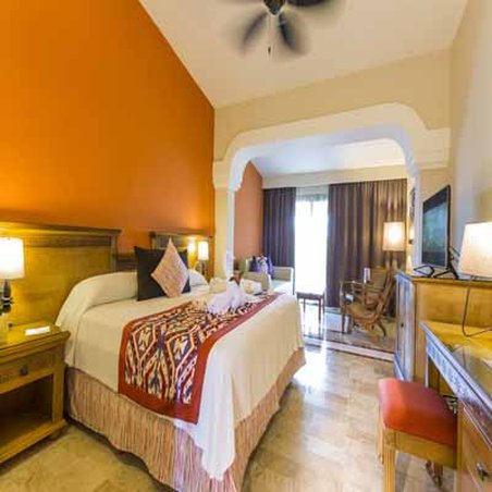 Grand Palladium Colonial Resort & Spa - Junior Suite <br/>Image from Leonardo