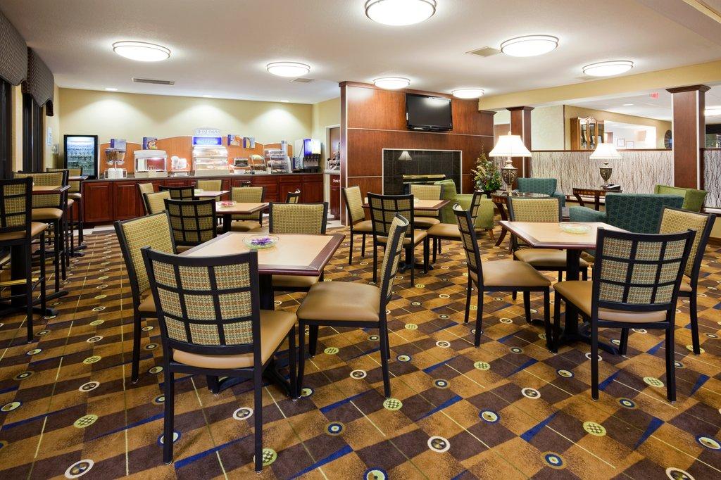 Holiday Inn Express Sheboygan-Kohler (I-43)-Breakfast Area<br/>Image from Leonardo