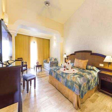 Grand Palladium White Sand Resort & Spa - Junior Suite <br/>Image from Leonardo