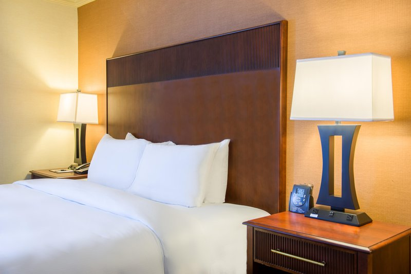 DoubleTree by Hilton Hotel Philadelphia Airport-King Corner Suite Bed, Close<br/>Image from Leonardo