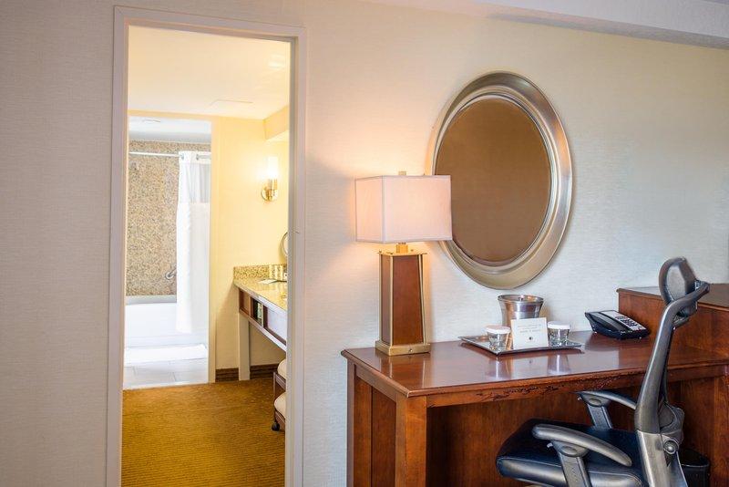 DoubleTree by Hilton Hotel Philadelphia Airport-Junior Suite Bathroom<br/>Image from Leonardo