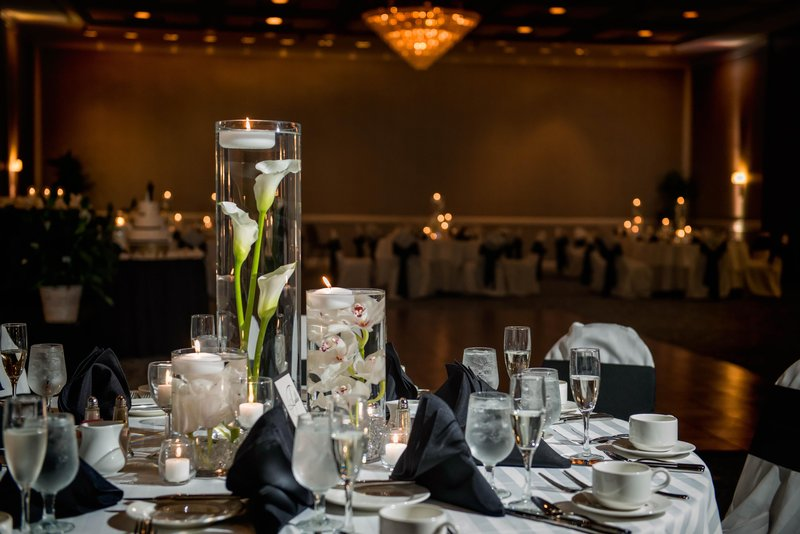 DoubleTree by Hilton Hotel Philadelphia Airport-Wedding Tables<br/>Image from Leonardo