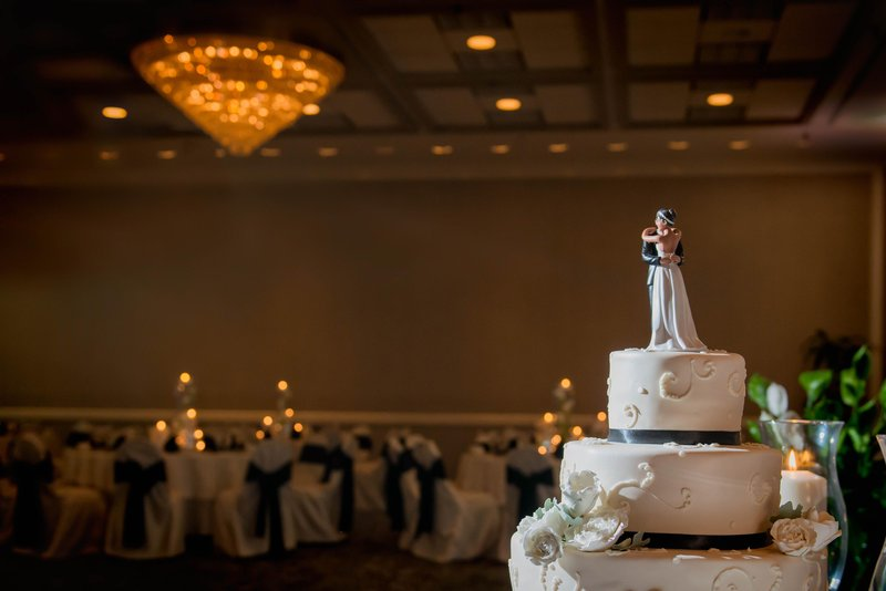 DoubleTree by Hilton Hotel Philadelphia Airport-Ballroom Wedding Cake Details<br/>Image from Leonardo