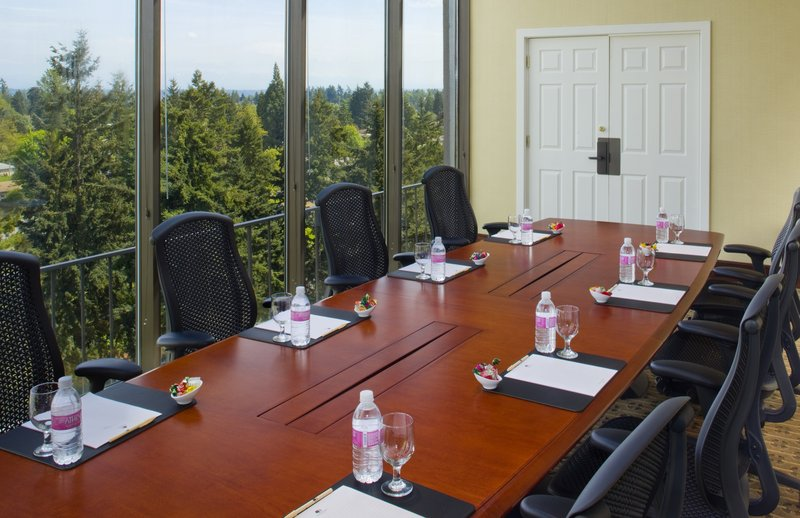 DoubleTree by Hilton Hotel Seattle Airport-Mount Baker Room<br/>Image from Leonardo