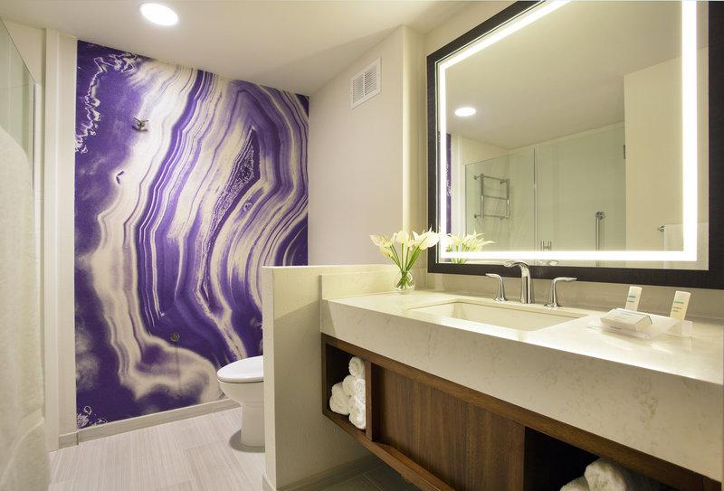 Hilton Garden Inn Kauai Wailua Bay Wailua Bay-Hilton Garden Inn Kauai Wailua Bay Bathroom<br/>Image from Leonardo