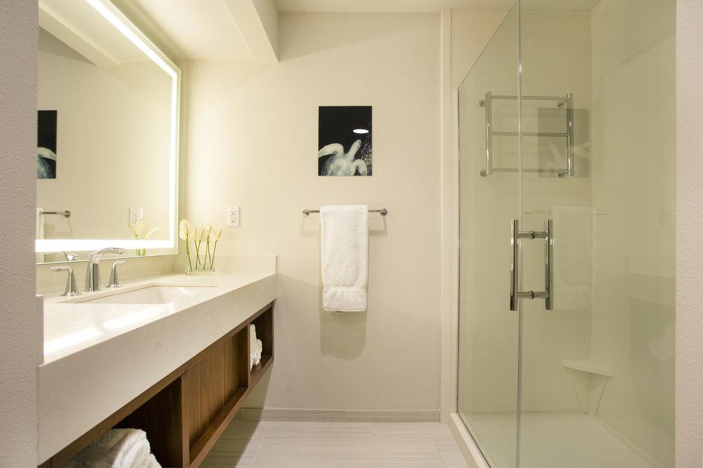 Hilton Garden Inn Kauai Wailua Bay Wailua Bay - Hilton Garden Inn Kauai Wailua Bay Cottage Bathroom <br/>Image from Leonardo
