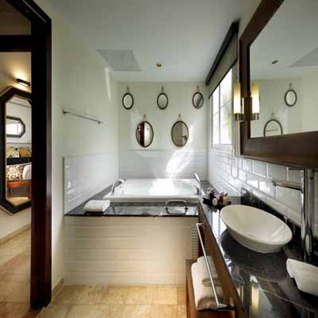 Grand Palladium Lady Hamilton Resort & Spa - Junior Suite <br/>Image from Leonardo