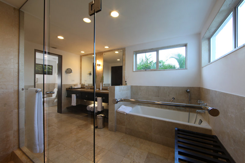 Casa De Campo - Elite Premier Bathroom <br/>Image from Leonardo