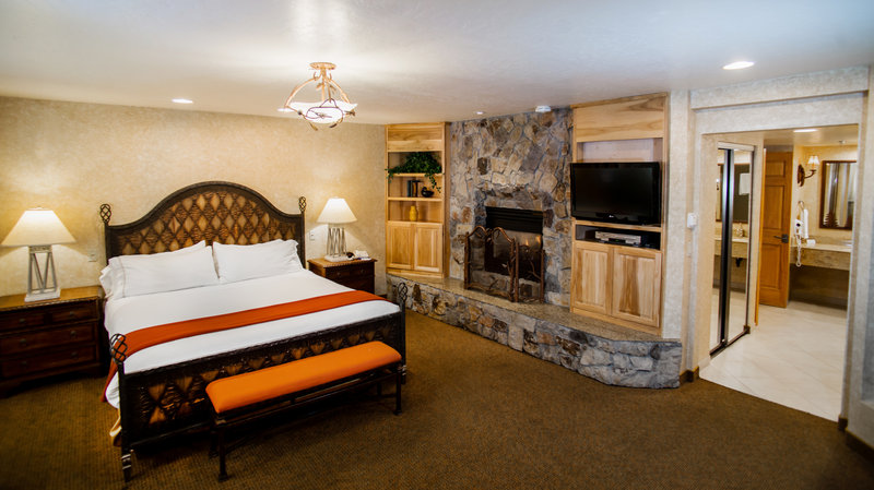 Holiday Inn Express South Lake Tahoe-Romance Suite with Jacuzzi and Fireplace<br/>Image from Leonardo