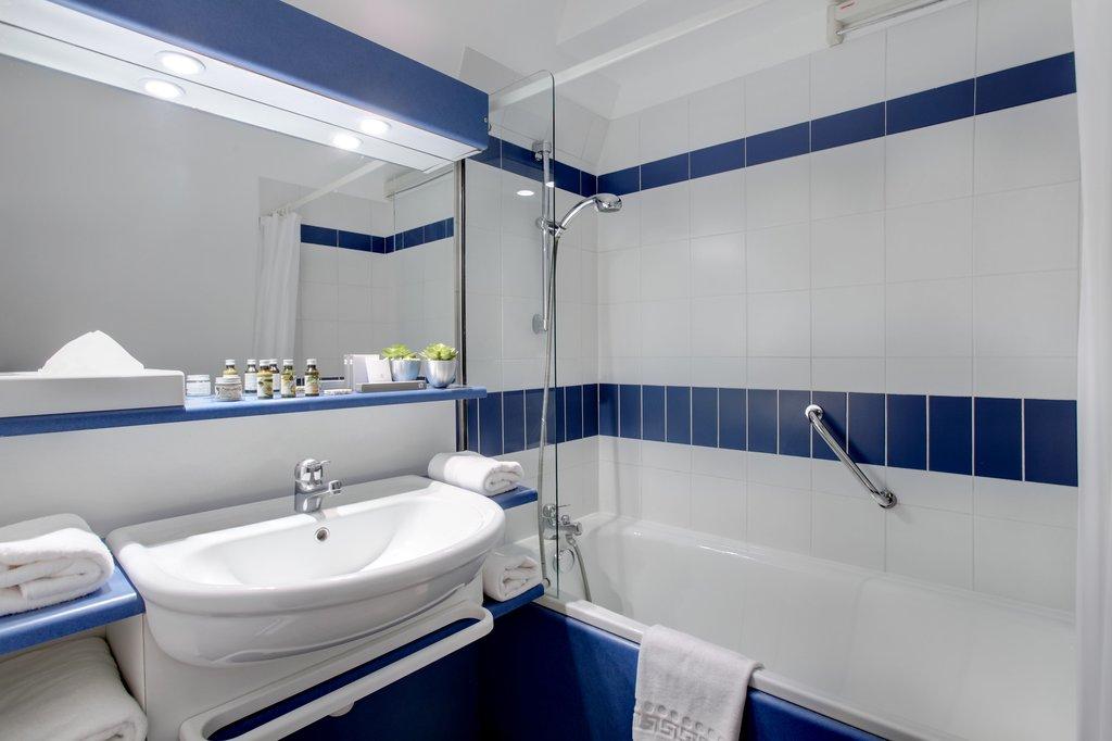 Citadines City Centre Grenoble-Bathroom, Citadines City Centre Grenoble<br/>Image from Leonardo