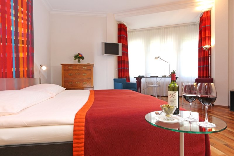 Waldstaetterhof Hotel-Superior double or twin room<br/>Image from Leonardo