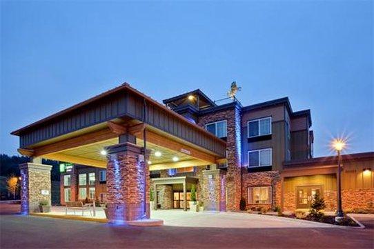 Holiday Inn Express Hotel & Suites North Sequim-Sequim Hotel Exterior at night<br/>Image from Leonardo