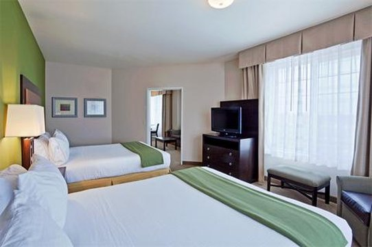 Holiday Inn Express Hotel & Suites North Sequim-Superior Room<br/>Image from Leonardo