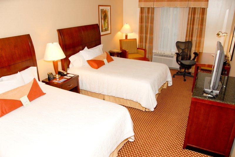 Hilton Garden Inn Riverhead-Queen Standard Room<br/>Image from Leonardo