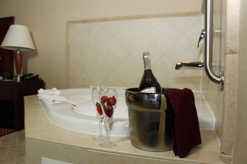 Hilton Garden Inn Riverhead-Romance Package<br/>Image from Leonardo