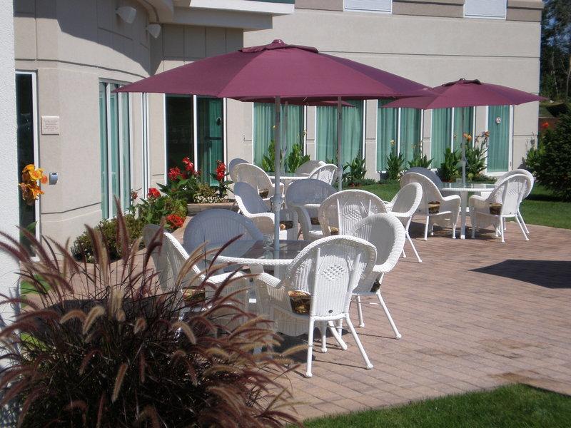 Hilton Garden Inn Riverhead-Garden Patio<br/>Image from Leonardo