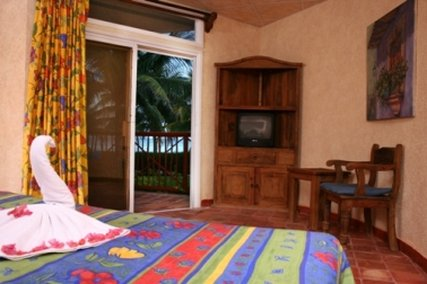 Sunscape Akumal Beach Resort & Spa - Standard Room <br/>Image from Leonardo