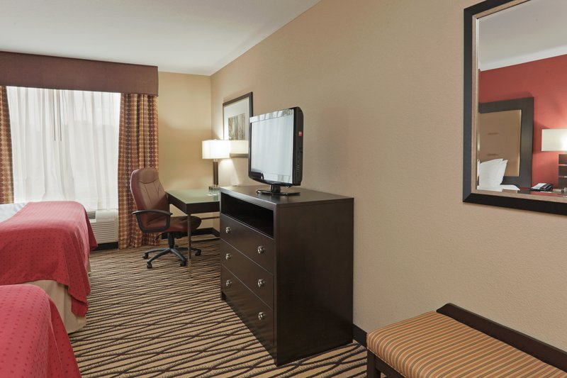 Holiday Inn Hotel & Suites Lima-Queen Bed Guest Room Non Smoking<br/>Image from Leonardo