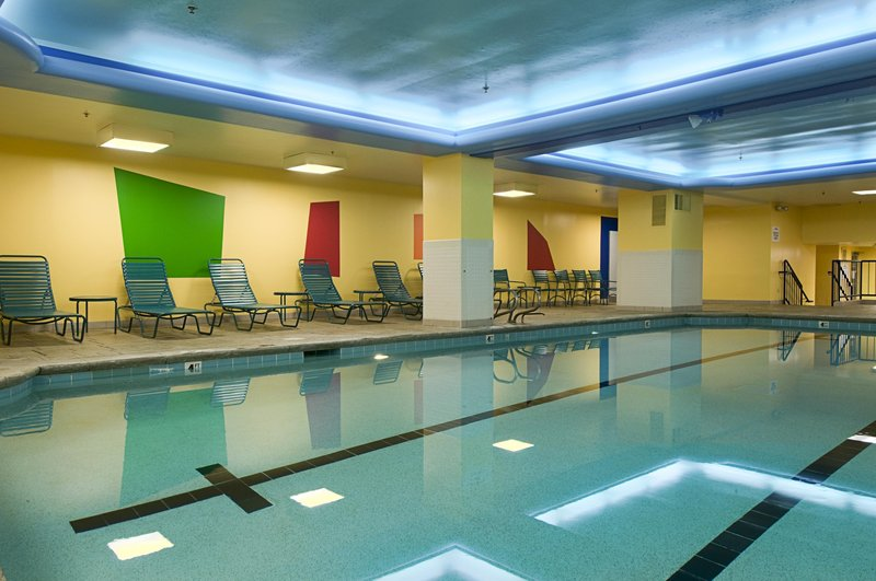 Hilton Cincinnati Netherland Plaza-Indoor Pool<br/>Image from Leonardo