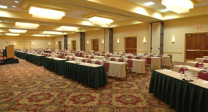 DoubleTree by Hilton Syracuse-Ballroom Set Classroom<br/>Image from Leonardo