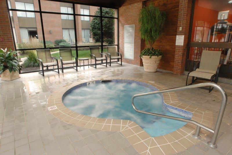 DoubleTree by Hilton Syracuse-Indoor Whirlpool<br/>Image from Leonardo
