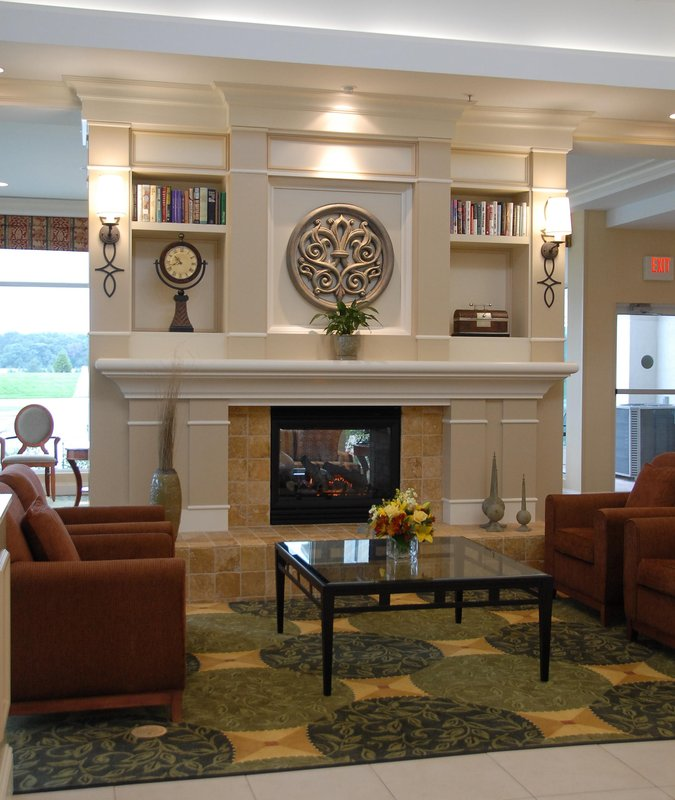 Hilton Garden Inn Riverhead-Pavilion Lobby<br/>Image from Leonardo