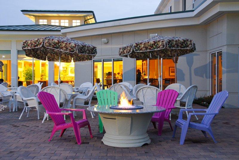 Hilton Garden Inn Riverhead-Firepit<br/>Image from Leonardo