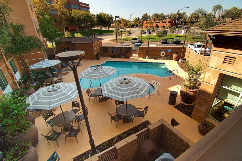 Hilton Garden Inn San Bernardino-Pool and Spa<br/>Image from Leonardo