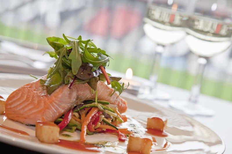 DoubleTree by Hilton Milton Keynes-Pitchside Restaurant & Bar<br/>Image from Leonardo