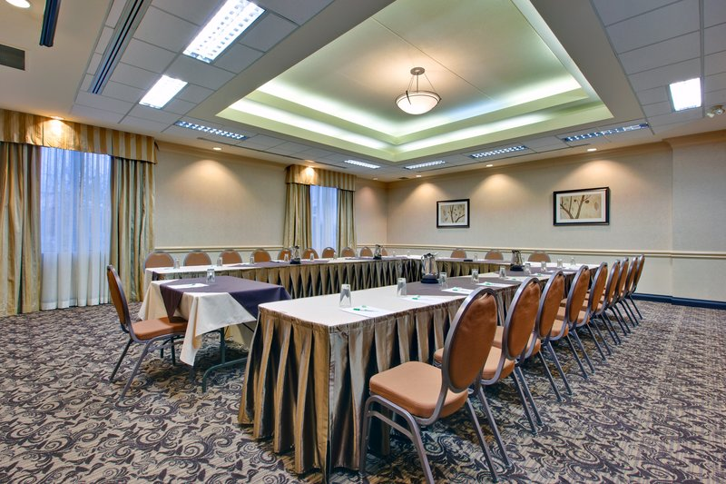 Holiday Inn Hotel & Suites Windsor (Ambassador Bridge)-Meeting Room<br/>Image from Leonardo