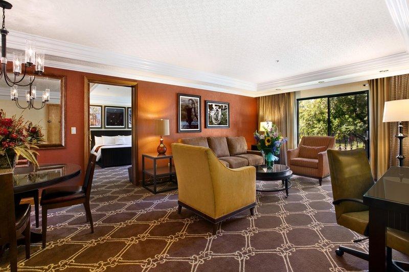 DoubleTree by Hilton Durango-Suite<br/>Image from Leonardo