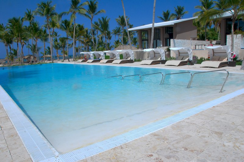 Be Live Collection Punta Cana   - Adults Only - Infinity pool <br/>Image from Leonardo