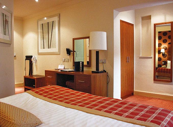 Metropole Llandrindod Hotel-Guest Room<br/>Image from Leonardo