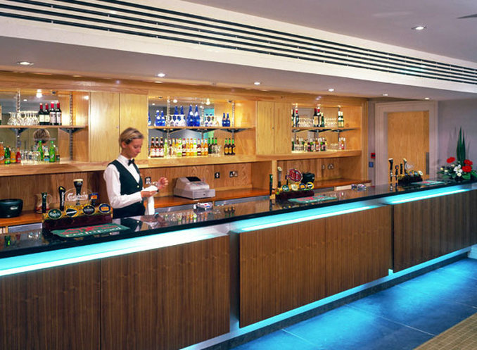 Metropole Llandrindod Hotel-Bar<br/>Image from Leonardo