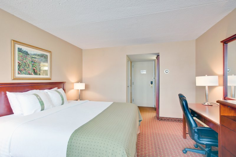 Holiday Inn St. John's Conference Centre-King Bed Guest Room<br/>Image from Leonardo