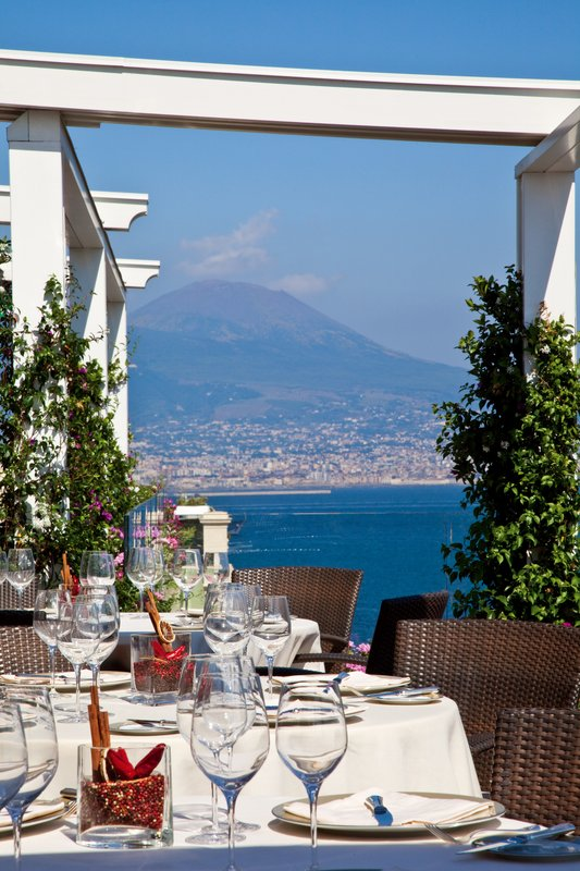Grand Hotel Vesuvio Naples-Caruso Restaurant - al fresco dining<br/>Image from Leonardo