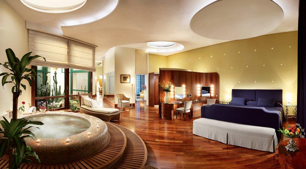 Grand Hotel Vesuvio-Presidential SuiteBedroom<br/>Image from Leonardo