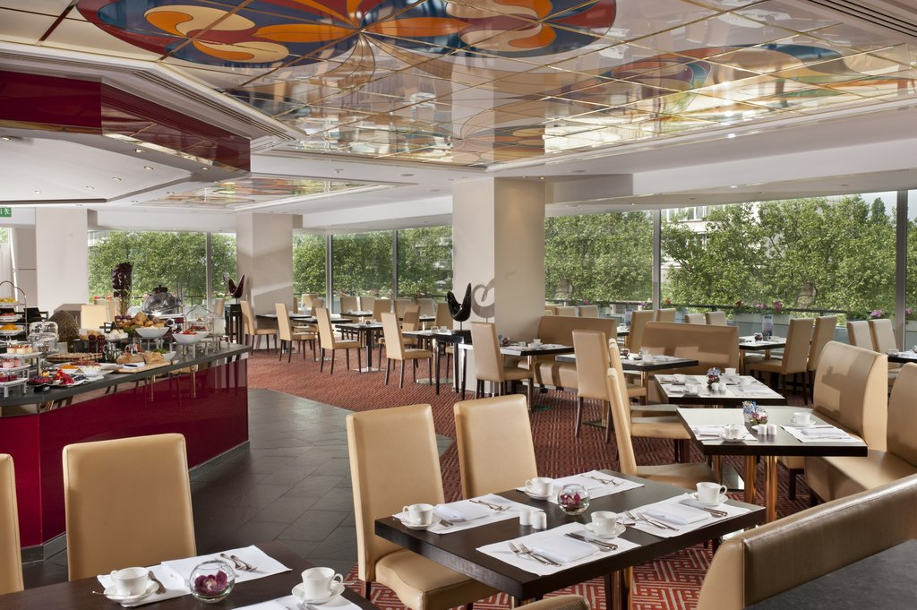 Hotel Palace Berlin - Bon Dia Restaurant - Buffet <br/>Image from Leonardo