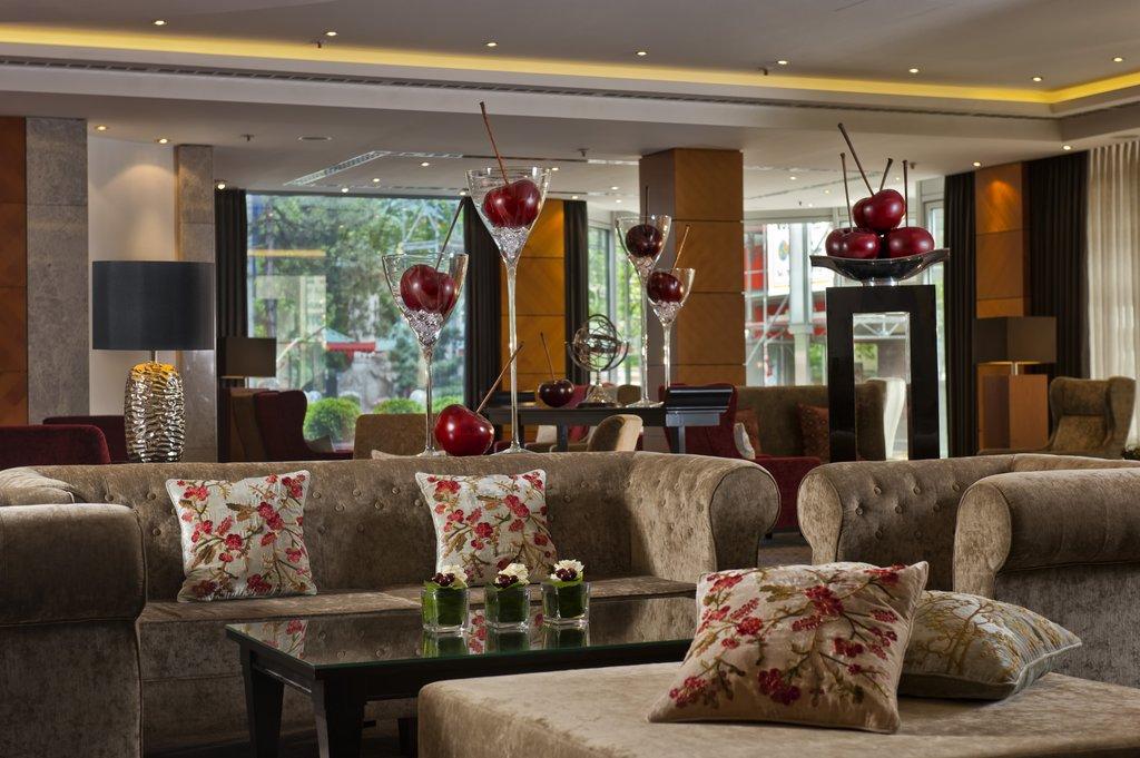 Hotel Palace Berlin - Lobby <br/>Image from Leonardo